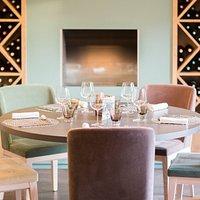 Table pour un dîner en famille au restaurant du Manoir'Hastings à Bénouville en Normandie