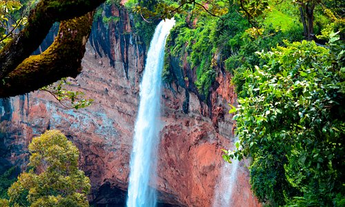 Sipi Falls is a nice place to unwind, relax and literally chill out away from the hustle and bustle of the towns and cities and its one of the most stunning waterfalls