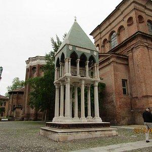 Tomba del Giurista Rolandino dei Passaggeri