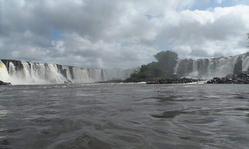 Cachoeira de Santo Antônio no Rio Jari. Essa beleza está localizada no Município de Laranjal do Jari, Estado do Amapá. Vale muito a pena conhecer princialmente no inverno (julho à Dezembro) onde o volume de água está maior.