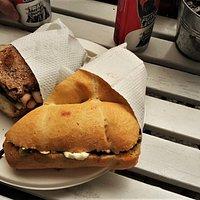 Panino vegetariano e con arrosto di pollo