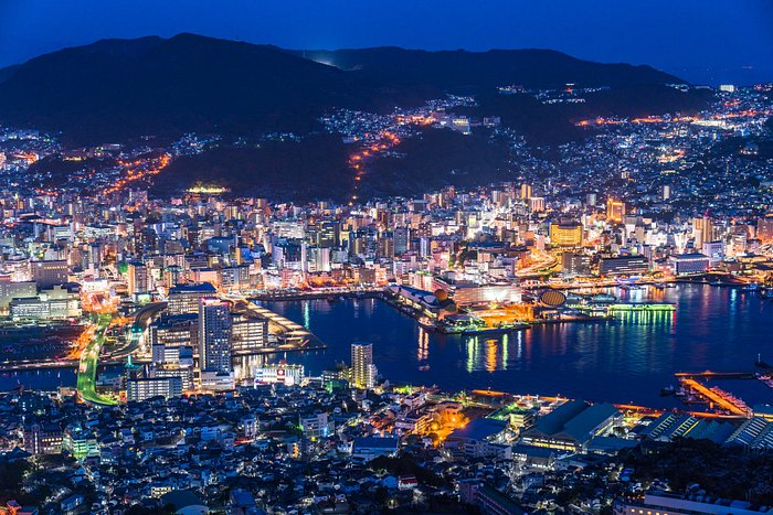 Looking for an incredible view? The view of Nagasaki at night from Mount Inasa is considered one of the most beautiful in all of Japan, and has to be seen to be believed! A short ride on a cable car is all it takes to see this romantic, stunning scenery, so what are you waiting for?