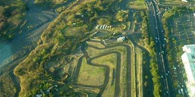 Circuit de la jamaique  .  Developpé 982m x 8m .Karting et moto. Location de kart loisir.