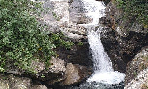 Fondo (Traversella), Cascata del torrente Ribordone - Valchiusella (To)
