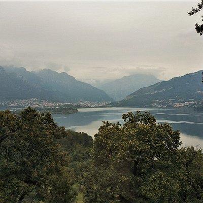 Oggiono - Villa Sironi  panorama lago di Annone.