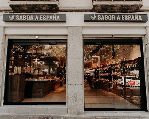 Disfruta de las mejores garrapiñadas y guirlaches recién hechos en Plaza Nueva, 14 (Granada).