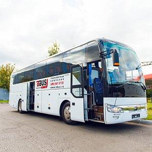 Yutong 6122  Passenger capacity: 49/51/53