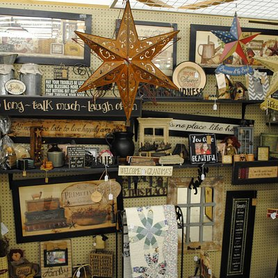 Wide selection of home decor