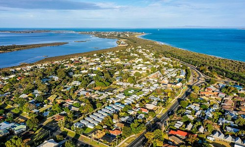 Queenscliff is surrounded by water on three sides. Beacon Resort is just 200m from the beach, a short walk across the road.