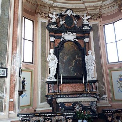 Altare laterale 1