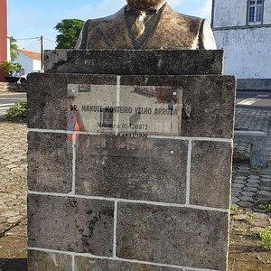 Busto Manuel Monteiro Velho Arruda