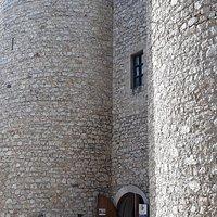 Palazzo del Principe e  Castello Caetani sono il medesimo edificio.