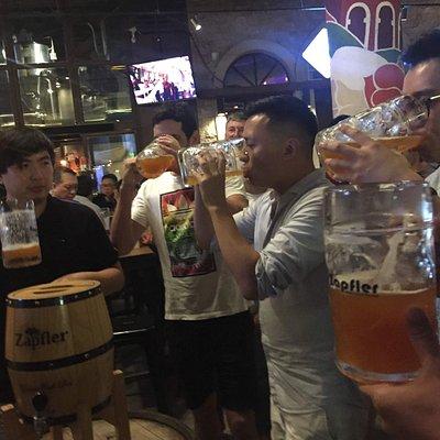 Found 158 -  Zapfler beer drinking madness
