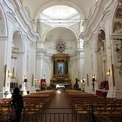 L'interno della Chiesa di San Francesco d'Assisi a Marsala.