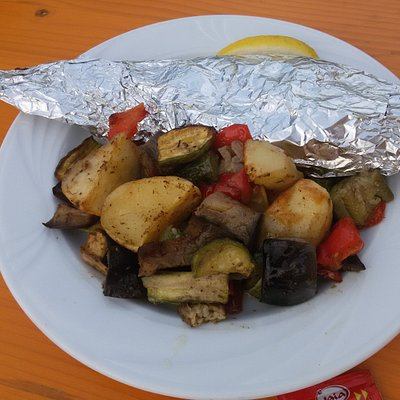 Pesce al cartoccio con contorno di verdure!