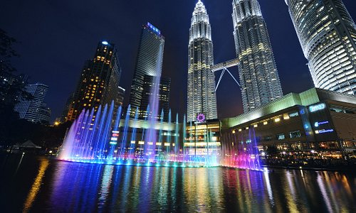 Located in the heart of Kuala Lumpur, Suria KLCC is the most iconic premier shopping destination in Malaysia. A world-class complex of over 1.17 million square feet, it is the place to go for the best shopping, dining and entertainment experience.