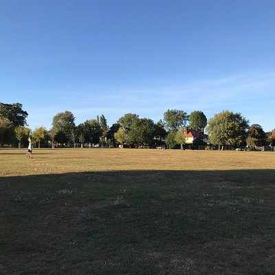 Views of the park, its facilities and an information board