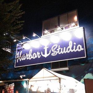 Harbor Studio(夜)