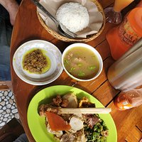 Babi guling, rice and sambal