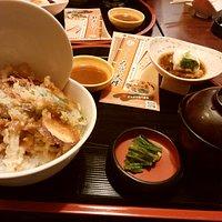 税別¥880の「味噌天丼」これいいわ。
