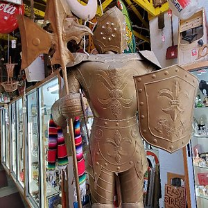 A fantastic place for vintage and collectible items!