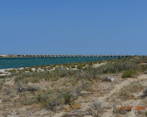narrow inlet of Caspian sea into Garabogazkol Lake