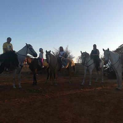 En familia a caballo