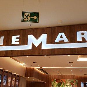 Entrada do Cinemark, no piso 3 do Shopping Vila Lobos