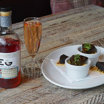 Edinburgh Raspberry Gin with Braised Ox Cheek and Stornoway Balck Pudding