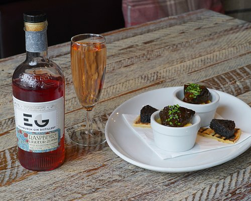 Edinburgh Raspberry Gin with Braised Ox Cheek and Stornoway Balck Pudding
