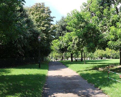 Il s'agit d'un jardin s'étendant sur deux hectares, ouvert toute l'année et l'entrée y est gratuite.