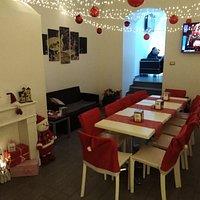La calda atmosfera natalizia che offre bar Italia vi farà apprezzare ancor di più il clima natalizio,unica nella città