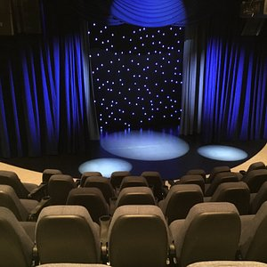 See the best Magic, Comedy and Variety acts from around the world in this luxury, intimate 129-seat theater where every seat is the best seat in the house!  Full-bar and pre-show music and magic. Arrive early!