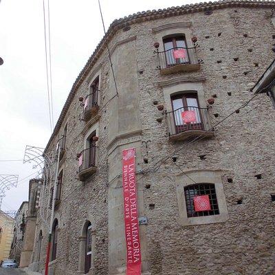 Siderno, Siderno Superiore, palazzo De Mojà, agosto 2013.