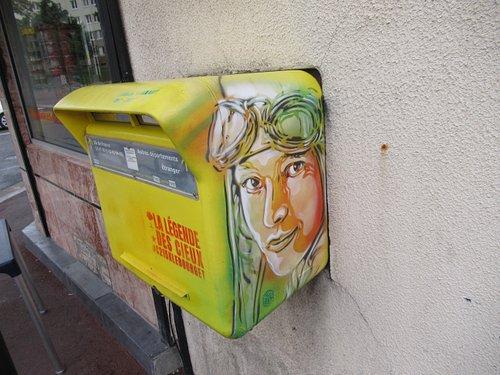 La fresque sur la boîte aux lettres