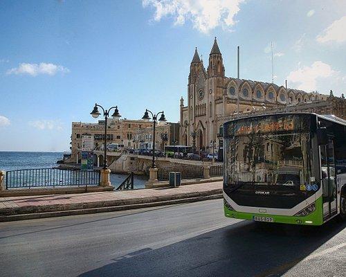 Bus in Balluta Bay