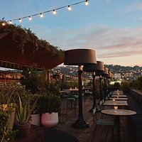 These views of the Hollywood Hills can't be beat! Come up to the rooftop and chill out with a cocktail or two