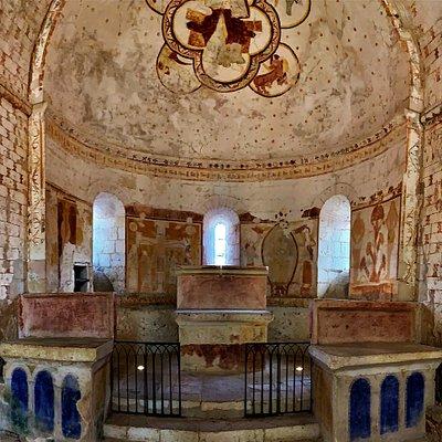 La chapelle de Plaincourault, classée depuis 1944, et ses peintures datées du 12ème au 15ème siècles