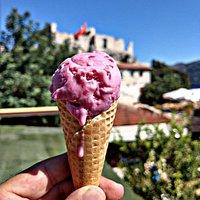 Tarihi Simena Kalesi eşliğinde organik dondurma keyfi :)