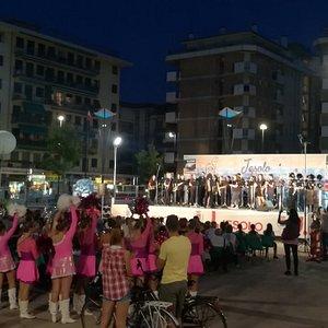 Piazza Milano, Международный фестиваль музыки и танца, Лидо-ди-Йезоло, сентябрь.