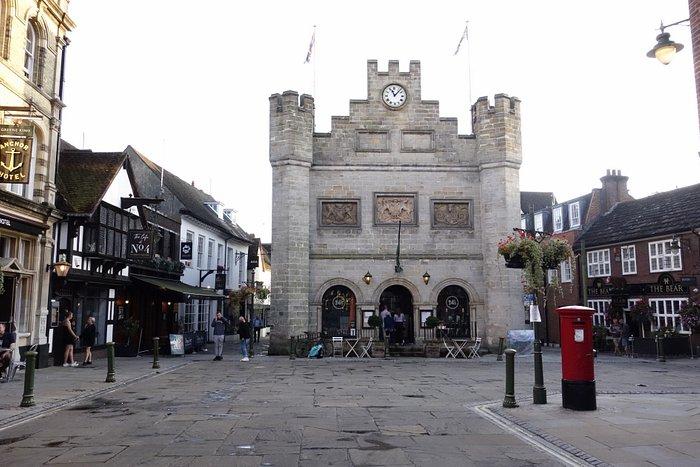 町の中心、マーケット・スクエア