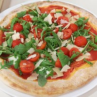 Pizza fresca e molto gustosa 🍕😋