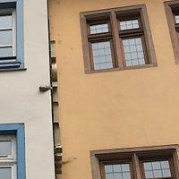 Obus dans le mur