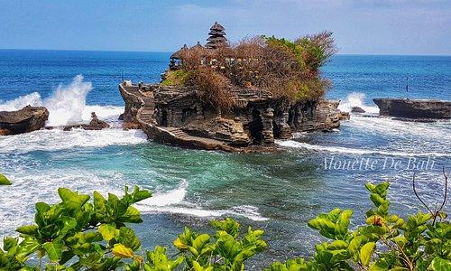 C'est l'un des temples a Bali, nous l'appelons aussi notre Mont Saint-Michel Balinais 😉  Passez une très belle journée 🙏