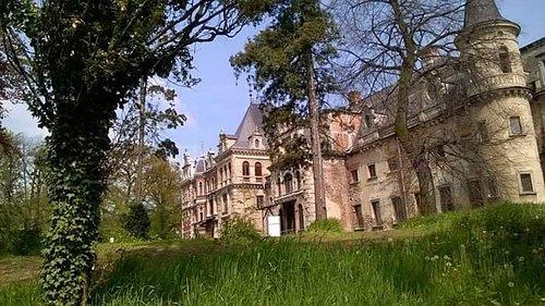 Zespół pałacowo-parkowy w Krowiarkach