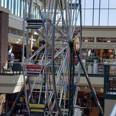 Scheels 3-story high indoor ferris wheel