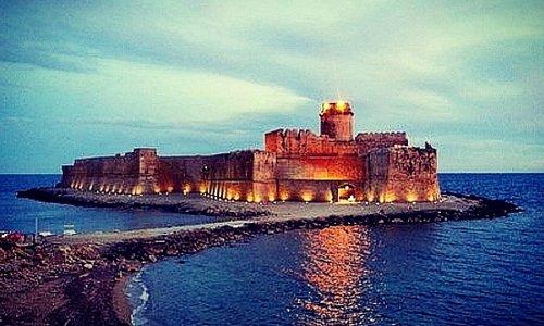 Un castello sul mare. 🏰🌊