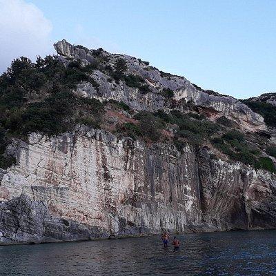 Gramma bay, península de Karaburum