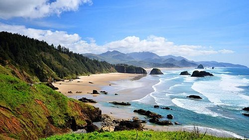 Get ready to make your Oregon tour #memorable and exciting with our reliable services of #Oregon #coast #tour at affordable prices! https://royaltytrips.com/wine-tour.html #Oregon #coast #tour