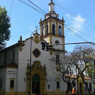 Parroquia Santa Adela: Av. Luis M. campos y Clay,  Barrio Palermo/Belgrano (Cañitas)- Bs.As. 2019.
